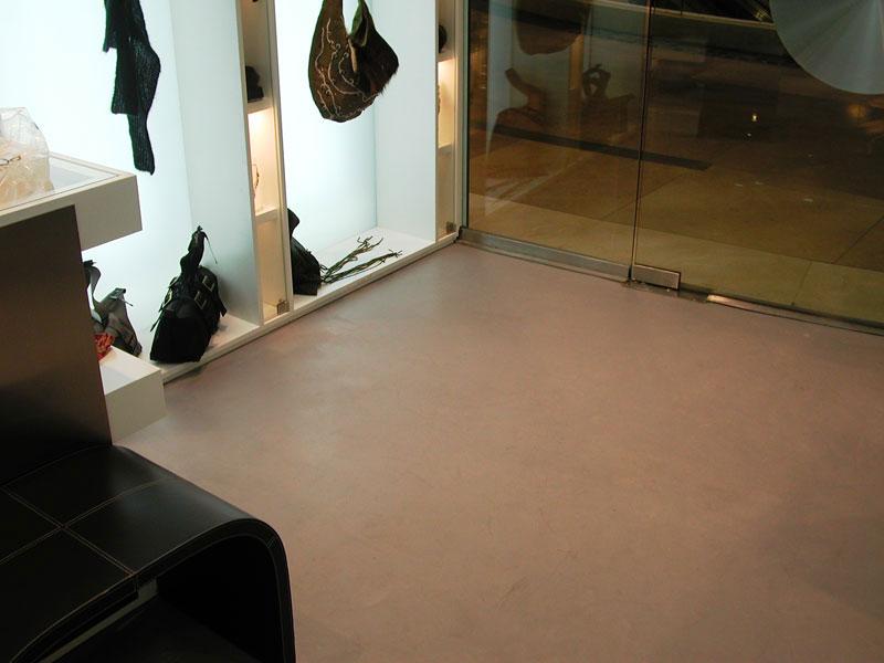 pavimento-microcemento-bagno-continuo-resina-grigio-rivestimento ...